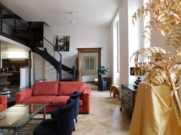 Loft in the Middle of the Historic Part of Nice for Sale 1 - Qi-Homes