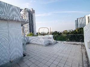 Apartments in 12 Tung Chung Waterfront Road
