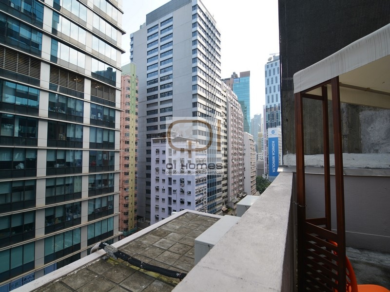 Apartments in 319-321 Hennessy Road