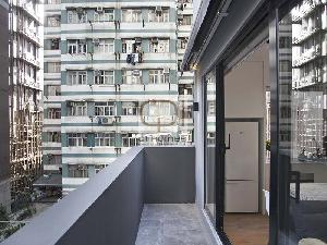 Apartments in 130 Des Voeux Road West