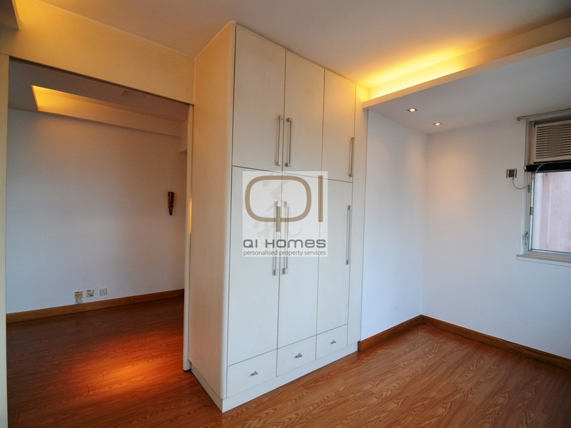 on the bathroom floor wah fai court sai ying pun property for rent qi homes 19796 | bedroom 02
