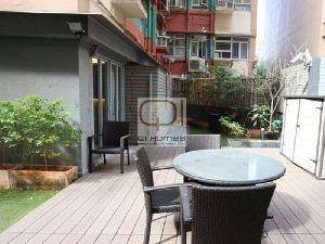 Apartments in 28 Praya Kennedy Town
