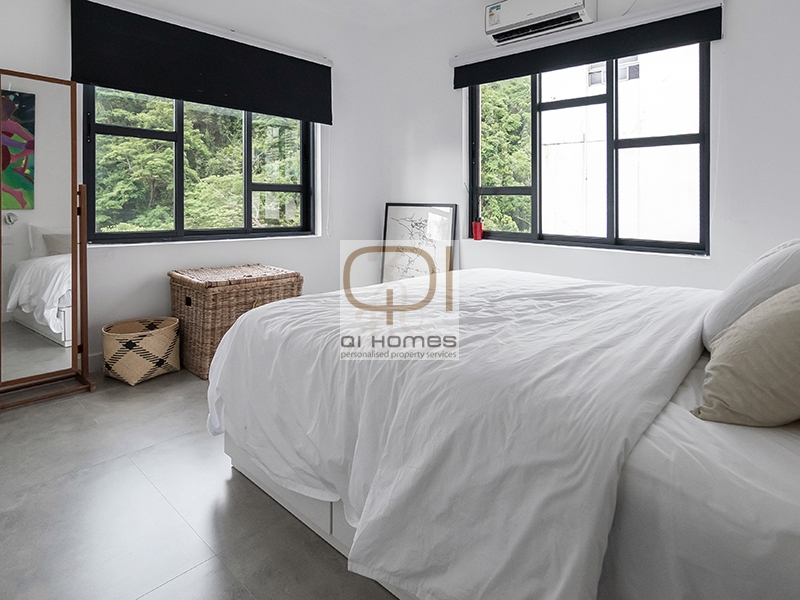 Apartments in 325 Tai Hang Road