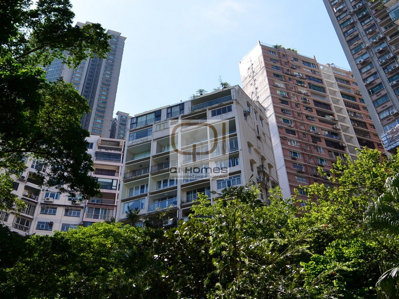 Apartments in 6A-6B Seymour Rd